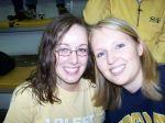 Sarah & ich – Lauren hat mir einen GA Tech Pullovergeliehen