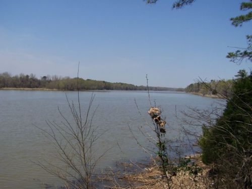 Das ist der riesige See, auf dem wir mit einem Boot fahren wollten