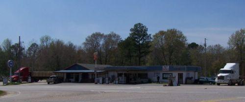 So schaut eine Tankstelle auf dem Land aus