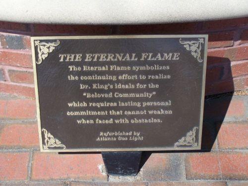 Die ewige Flamme - sie symbolisiert, dass die Arbeit von Martin Luther King jr. weiter geht und allen Widerständen trotzt