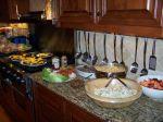 So, das gab's zu essen (hinten rechts ist der Kartoffelsalat)