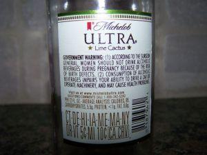 Hinweis auf einer Bierflasche