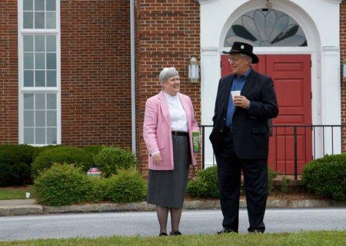 Die Dame ist Royeese Stowe - die Pastorin