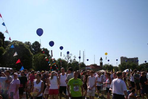 Ballons mit Buchstaben zur Orientierung