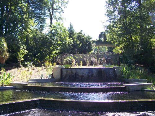 Einer der vielen Brunnen